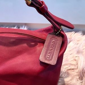 VINTAGE COACH CHERRY RED 🍒 LEATHER HOBO BAG